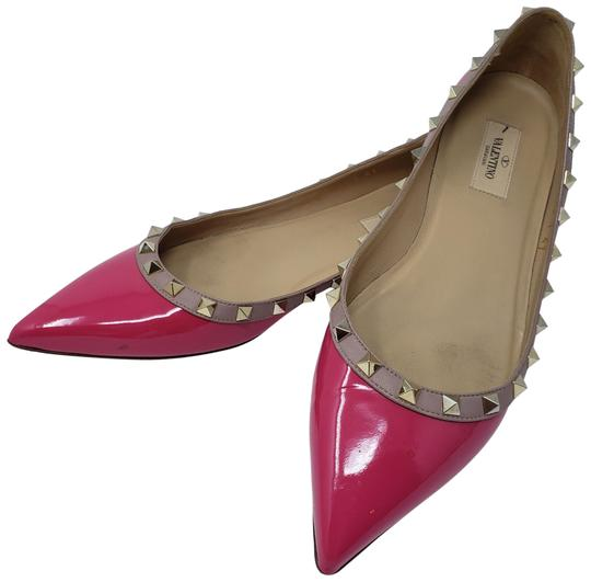 Preload https://item1.tradesy.com/images/valentino-pink-gold-patent-leather-rockstud-pointed-toe-flats-size-eu-41-approx-us-11-regular-m-b-23756150-0-3.jpg?width=440&height=440