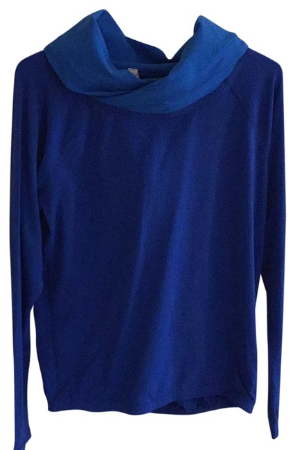 Preload https://img-static.tradesy.com/item/23756318/lululemon-electric-blue-106259-activewear-top-size-4-s-0-2-650-650.jpg