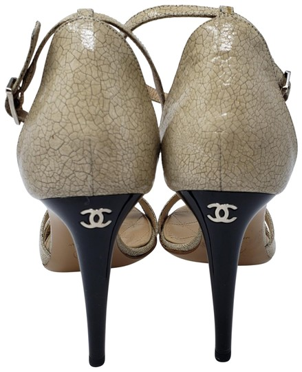 Preload https://img-static.tradesy.com/item/23756330/chanel-beige-tan-multicolor-patent-leather-cc-logo-ankle-sandals-size-eu-395-approx-us-95-regular-m-0-2-540-540.jpg