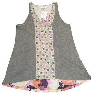 Anthropologie Top gray motif