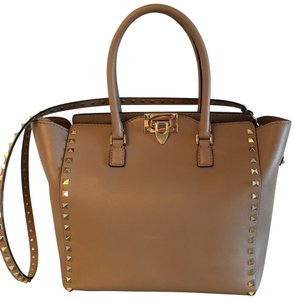 Valentino Leather Tote in Poudre nude