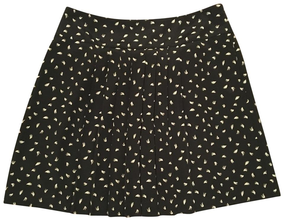 Ann Taylor LOFT Black Feather Patterned Pleated Style 40 Stunning Patterned Mini Skirt