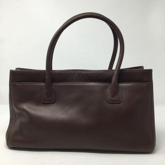 Chanel Tote in brown Image 1
