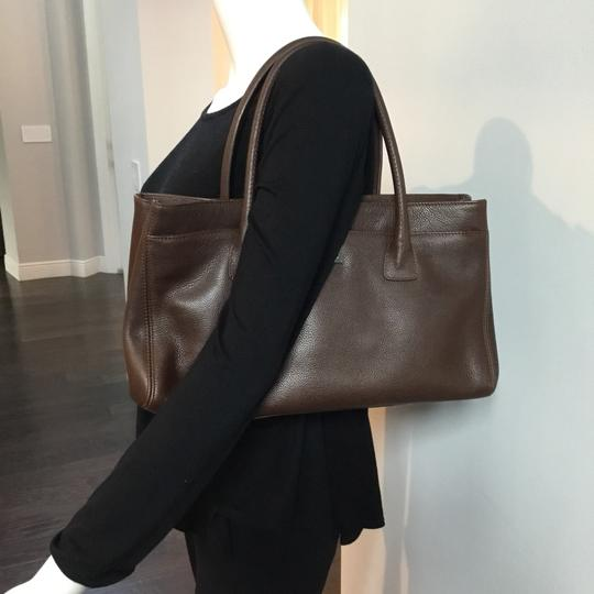 Chanel Tote in brown Image 11