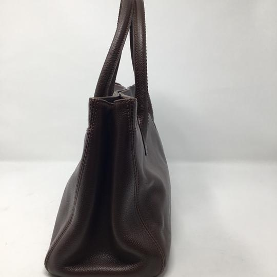 Chanel Tote in brown Image 2