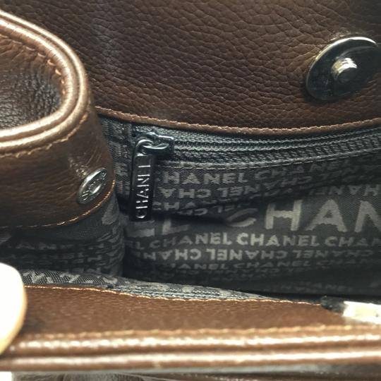 Chanel Tote in brown Image 9