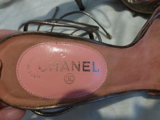Chanel gold patent leather & pink Sandals Image 1