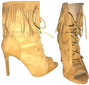 Chase & Chloe Tan Boots