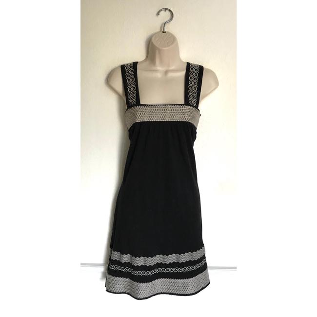 Preload https://img-static.tradesy.com/item/23760595/bcbgmaxazria-black-and-white-embroidered-small-short-casual-dress-size-6-s-0-0-650-650.jpg