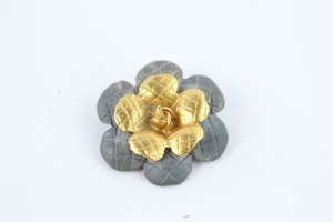 Chanel Gold 98a Quilted Flower 25cz0727 Brooch/Pin
