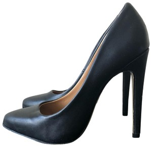 af44a8ae15 Black Forever 21 Pumps Up to 90% off at Tradesy