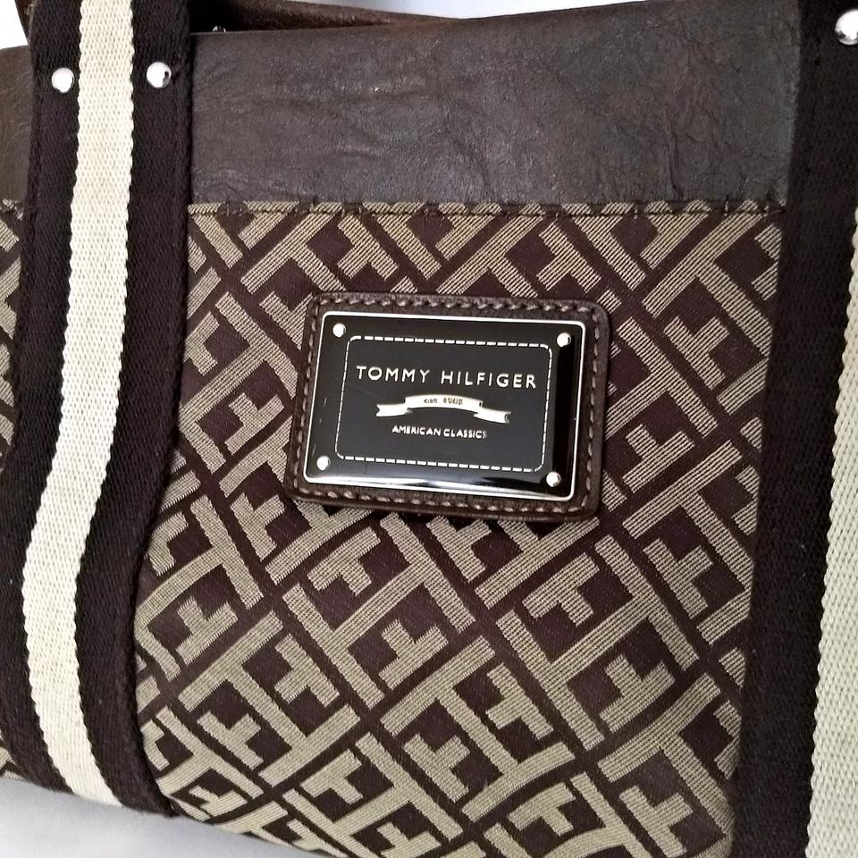 d671ccded Tommy Hilfiger Hand Handbag Logo Classic Small Brown Tote - Tradesy