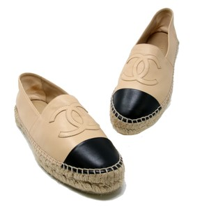 Chanel Caviar Quilted Coco Double Flap Stack Beige / Black Flats