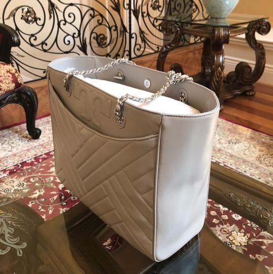 Tory Burch Quilted Lamb Leather Channel Large 2pcs Tote in cement (grey) Image 4