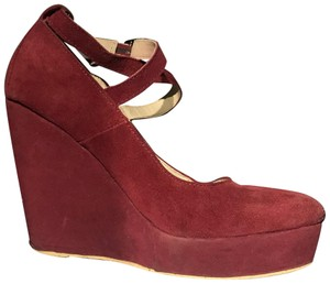 Modcloth red Wedges
