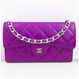 c750cf8ebe19ee Chanel Flap Wallets - Up to 70% off at Tradesy
