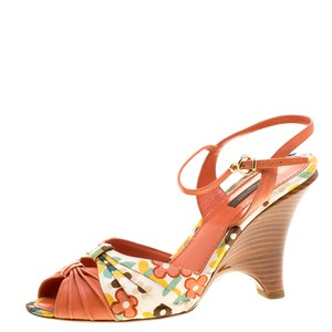 cfe0a4f25636 Orange Louis Vuitton Sandals - Up to 90% off at Tradesy
