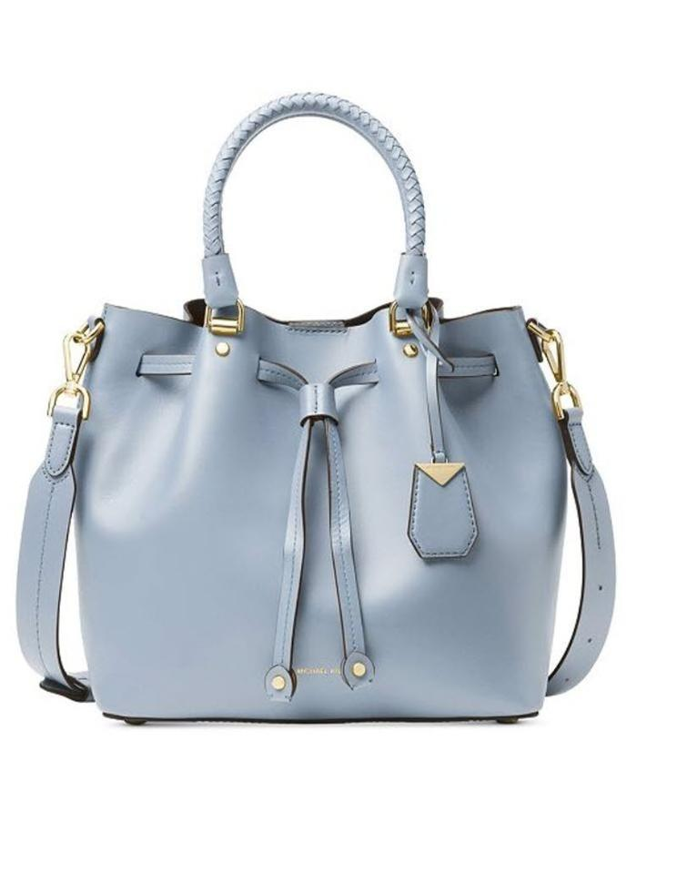 4af14b8e9adbfc Michael Kors Blakely Medium Bucket Pale Blue Leather Cross Body Bag ...