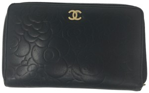 Chanel Chanel camellia embossed Leather zipper long wallet