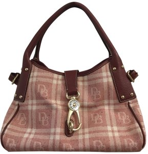 Dooney & Bourke Satchel in Maroon