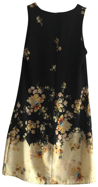 Preload https://img-static.tradesy.com/item/23777146/topshop-navy-floral-short-casual-dress-size-2-xs-0-1-650-650.jpg