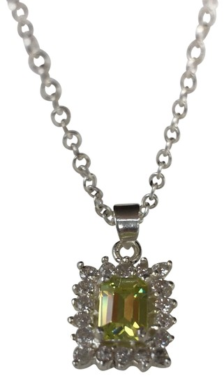 Preload https://img-static.tradesy.com/item/23777344/wiskemann-peridot-green-sterling-pendant-necklace-0-4-540-540.jpg