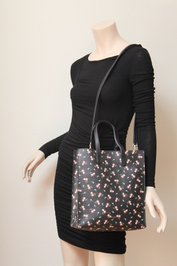 Givenchy Tote in Pink Image 7