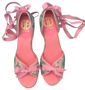 Lilly Pulitzer NEW Pink & Green Wedges