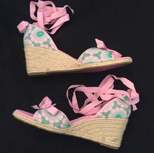 Lilly Pulitzer NEW Pink & Green Wedges Image 8