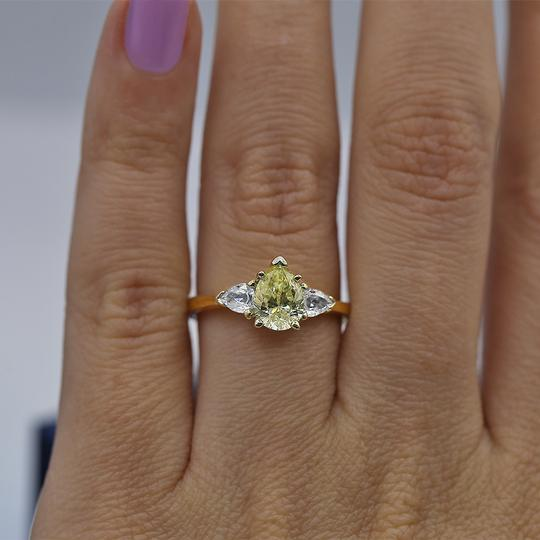 Preload https://img-static.tradesy.com/item/23778031/yellow-gold-14k-engagement-with-center-104ct-pear-shape-ring-0-0-540-540.jpg