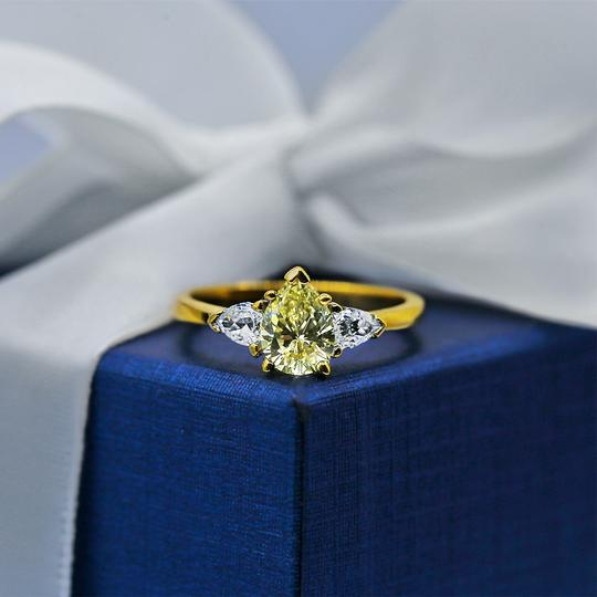 Yellow Gold 14k Engagement with Center 1.04ct Pear Shape Ring Image 3