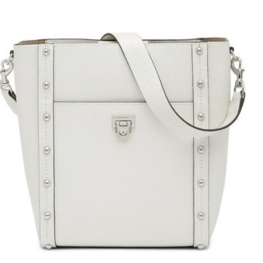 Preload https://img-static.tradesy.com/item/23778058/rebecca-minkoff-madison-large-bianco-leather-hobo-bag-0-0-540-540.jpg