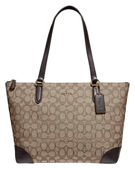 Preload https://img-static.tradesy.com/item/23778068/coach-city-zip-top-signature-f29958-brown-jacquard-tote-0-1-540-540.jpg