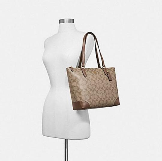 Coach Zip Top City City Tote in brown Image 11