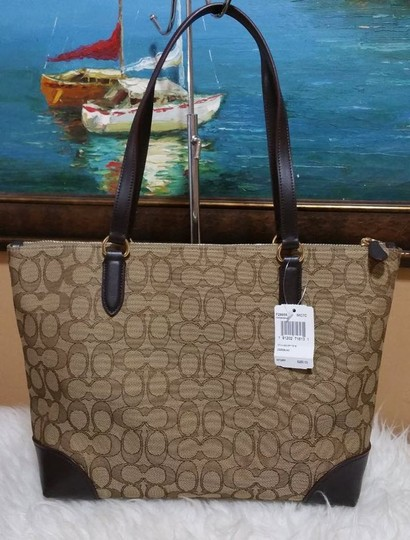 Coach Zip Top City City Tote in brown Image 8
