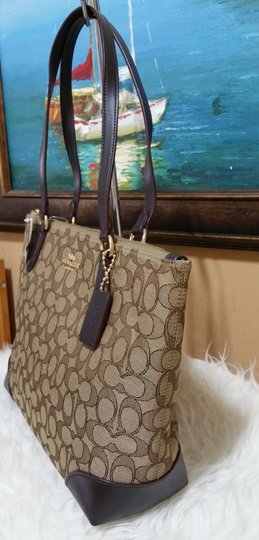 Coach Zip Top City City Tote in brown Image 9