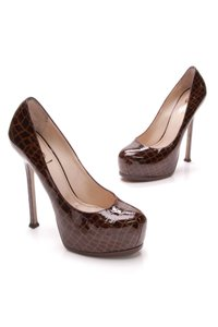 Saint Laurent Croc print (brown) Pumps