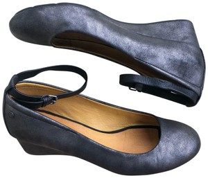 Bussola Gray Wedges