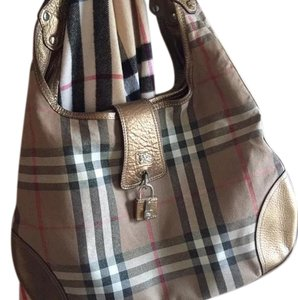 945e821b5508 Burberry Bags and Purses on Sale - Up to 70% off at Tradesy