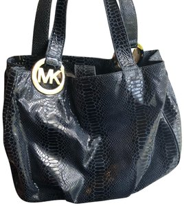ccc10e3a02e Michael Kors Bags on Sale - Up to 70% off at Tradesy