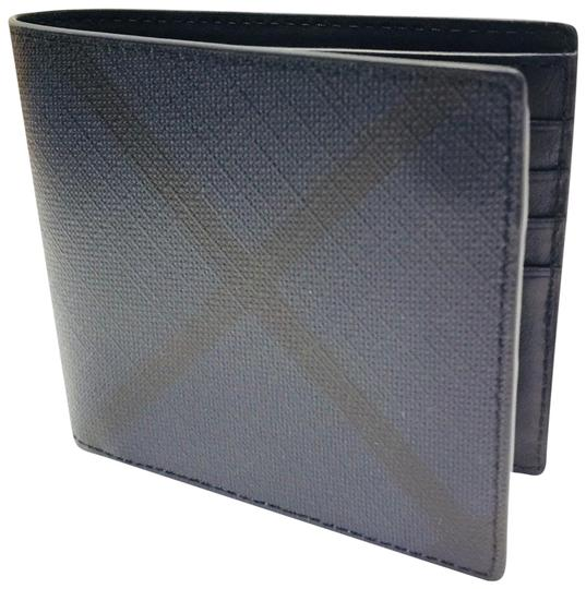 Preload https://img-static.tradesy.com/item/23778613/burberry-london-navy-black-check-international-bifold-wallet-0-1-540-540.jpg