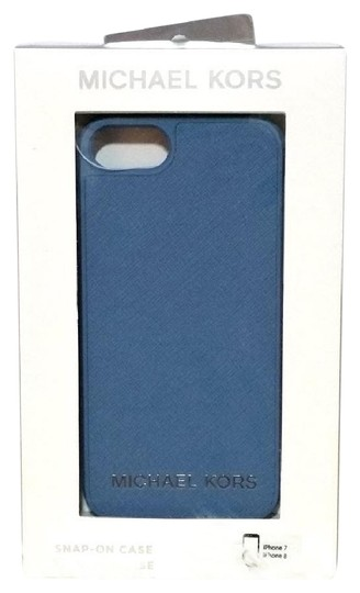 Preload https://img-static.tradesy.com/item/23778751/michael-kors-sky-blue-2-boxes-phone-case-cover-iphone-78-smartphone-cover-tech-accessory-0-1-540-540.jpg