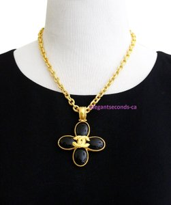 Chanel Auth. Vintage Chanel Gold Plated Necklace Stone Pendant