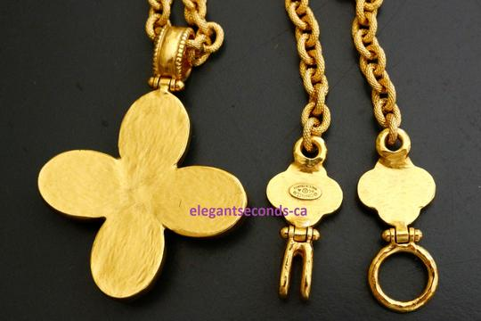 Chanel Auth. Vintage Chanel Gold Plated Necklace Stone Pendant Image 8