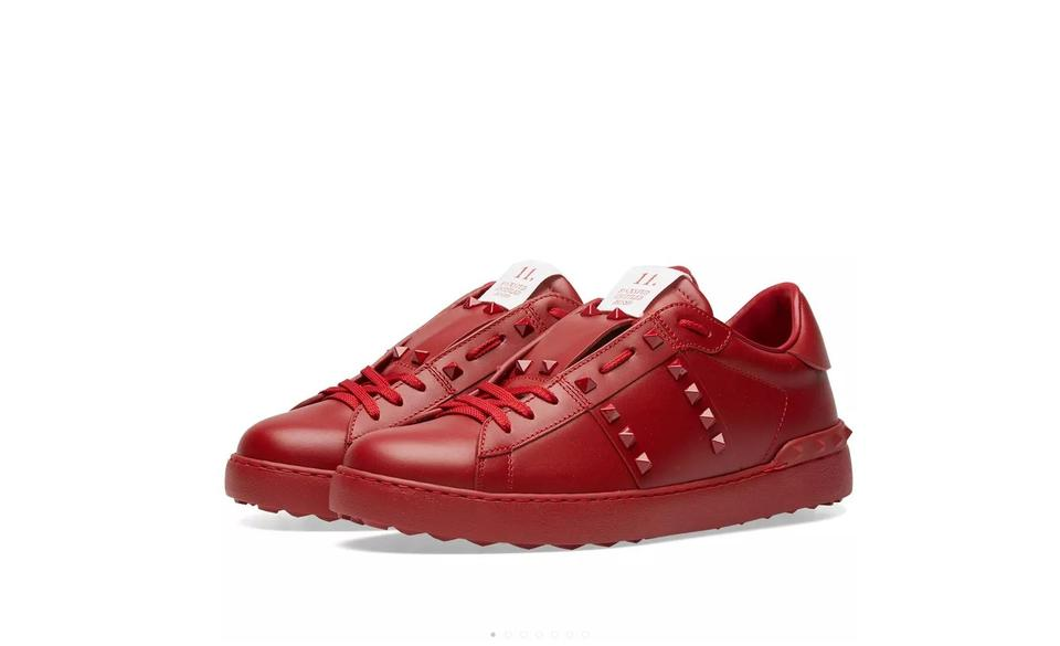 b7f4ac4d4f971 Valentino Red Classic Low-top Rockstud Untitled Lace-up Leather Sneaker  Sneakers