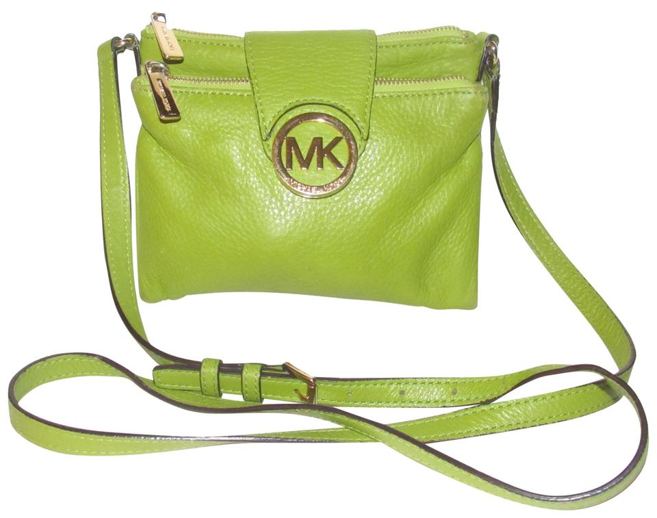 Michael Kors Lots Of Pockets Room Mint Condition Body Shoulder Bold Gold Hardware Great