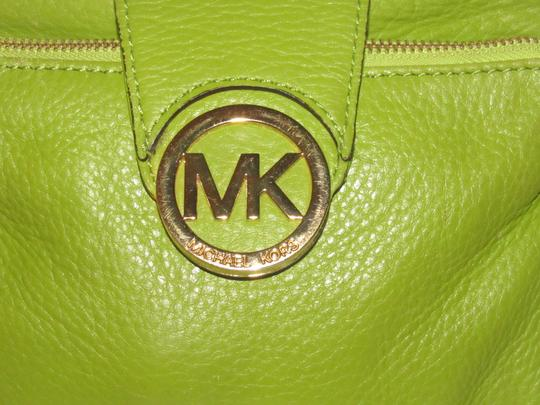 Michael Kors Lots Of Pockets/Room Mint Condition Body/Shoulder Bold Gold Hardware Great Color Cross Body Bag Image 1