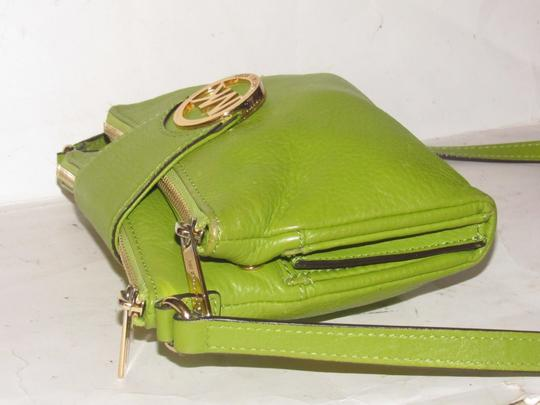 Michael Kors Lots Of Pockets/Room Mint Condition Body/Shoulder Bold Gold Hardware Great Color Cross Body Bag Image 3