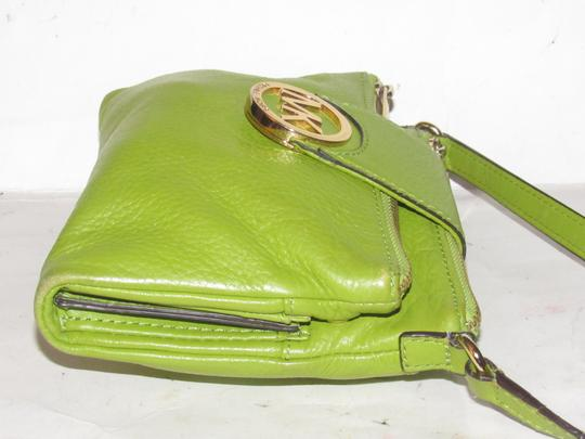 Michael Kors Lots Of Pockets/Room Mint Condition Body/Shoulder Bold Gold Hardware Great Color Cross Body Bag Image 6
