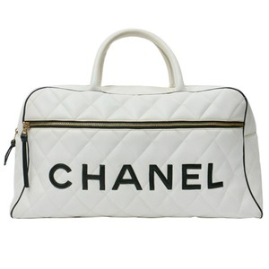 b2bf5bafbfa6 Chanel Duffle Vintage Quilted Large Black White Calfskin Leather Weekend/Travel  Bag
